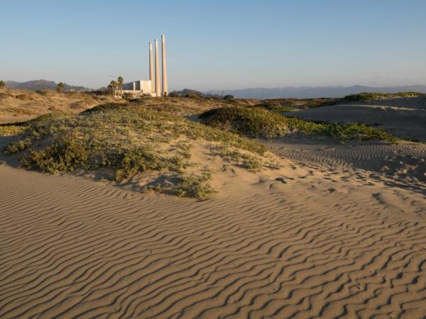 Plynová elektrárna v Morro Bay.