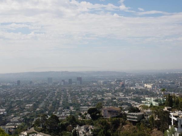 Pohled na kus LA - hlavně Hollywood a Beverly Hills.