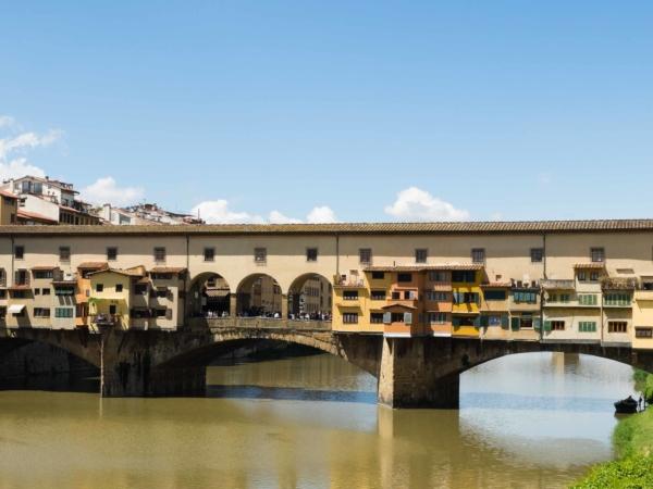 Ponte Vecchio - most přes řeku Arno protékající Florencií.
