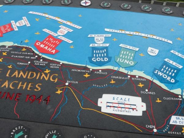 Plán a mapa vylodění spojeneckých vojsk v den D.