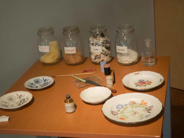 Používané suroviny pro malování.