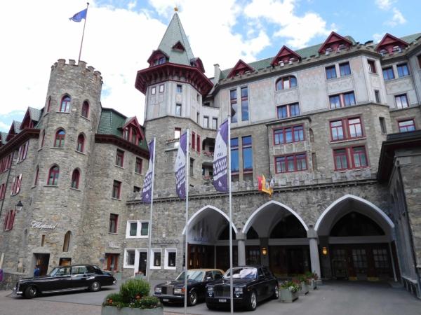 Hotel Badrutt's Palace, St. Moritz. Bez komentáře.