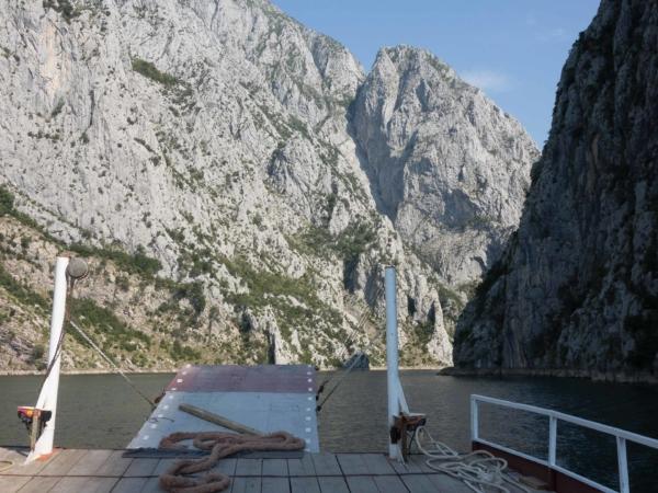 Je to prý jedna z nejkrásnějších trajektových vodních cest v Evropě.