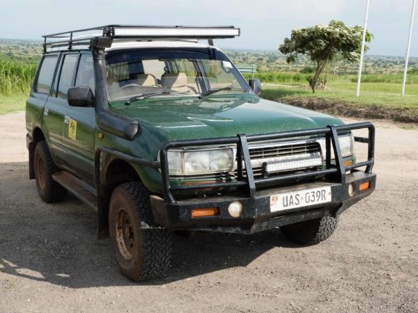 Náš dopravní prostředek v Ugandě a Rwandě.