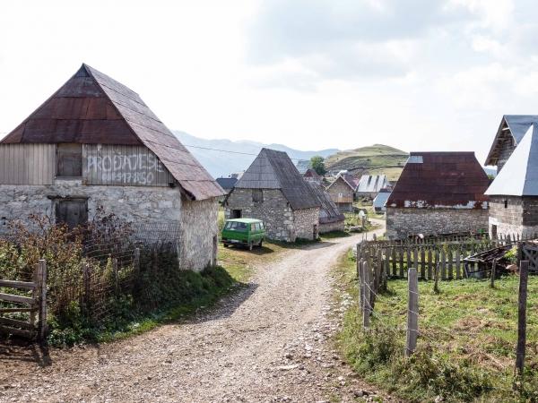 Lukomir je nejvýše položená vesnice v Bosně a Hercegovině - 1450 m.
