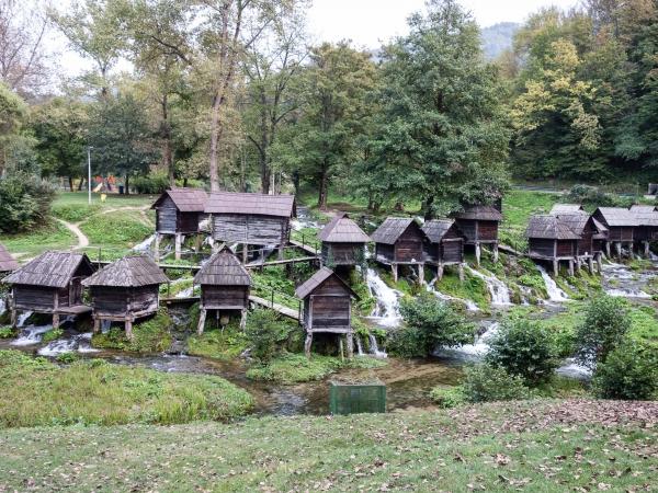 Vodní domky u města Jajce