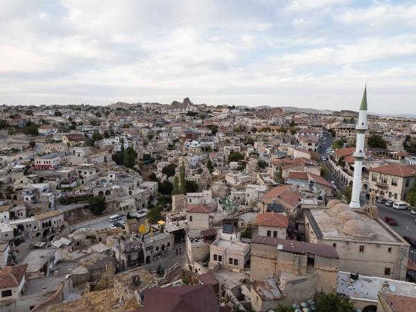 Ortahisar - pohled z pevnosti dolů na městečko.