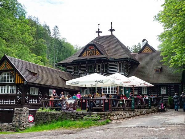Výletní restarace v přírodní rezeraci Peklo od Dušana Jurkoviče.